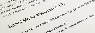Geprüft, zertifiziert und mit sehr gut benotet: Sarah ist Social Media Managerin (IHK)!